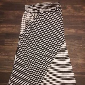 Junior's Maxi Skirt Size XL Joe B